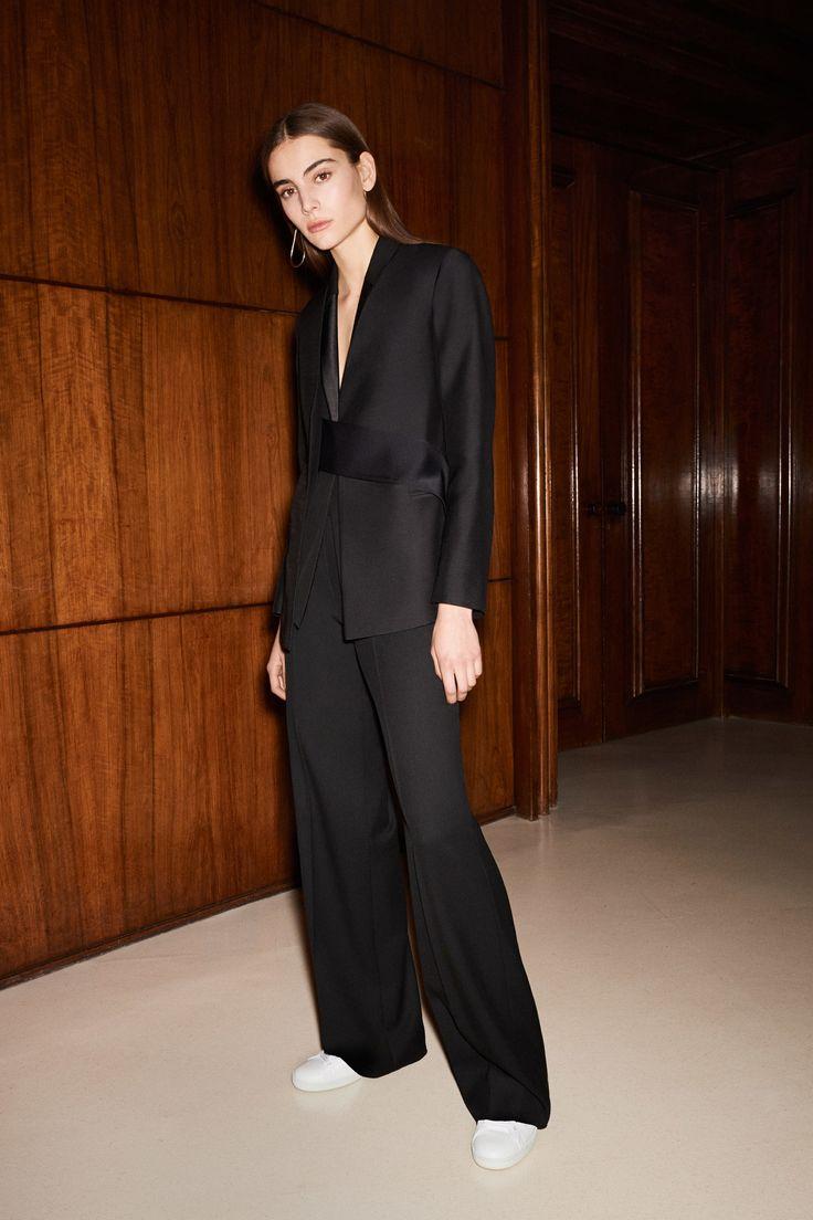 Victoria Beckham Pre-Fall 2017 Collection Photos - Vogue