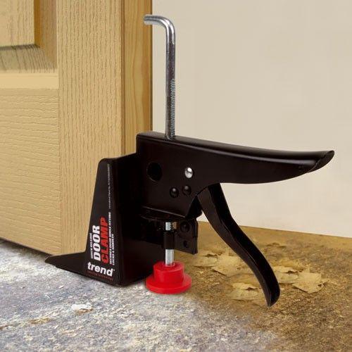 Ratchet style door clamp