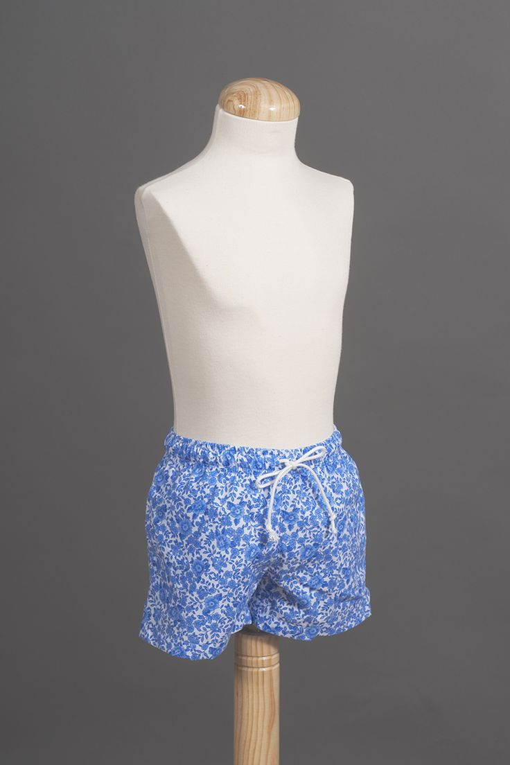 Boy´s floral swimming shorts