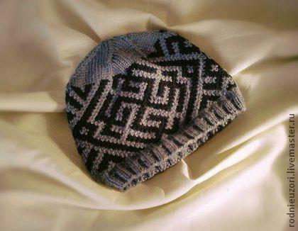 Этническая одежда ручной работы. Ярмарка Мастеров - ручная работа шапка мужская вязаная с обережным орнаментом. Handmade.