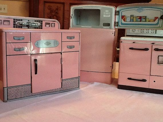 Wolverine Pink Vintage Toy Kitchen Set