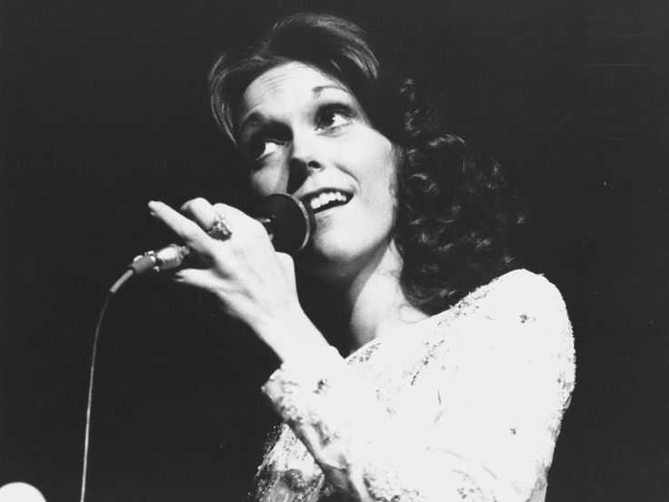 Stay current on new Karen Carpenter Music Videos, News, Photos, Tour Dates, and more on MTV.com.