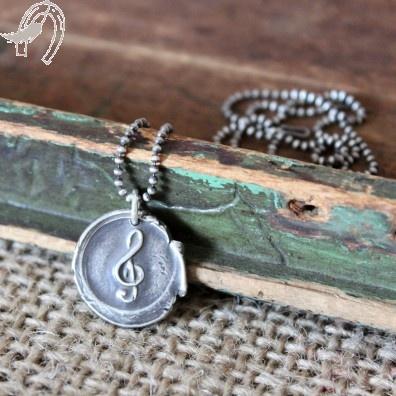silver treble clef pendant