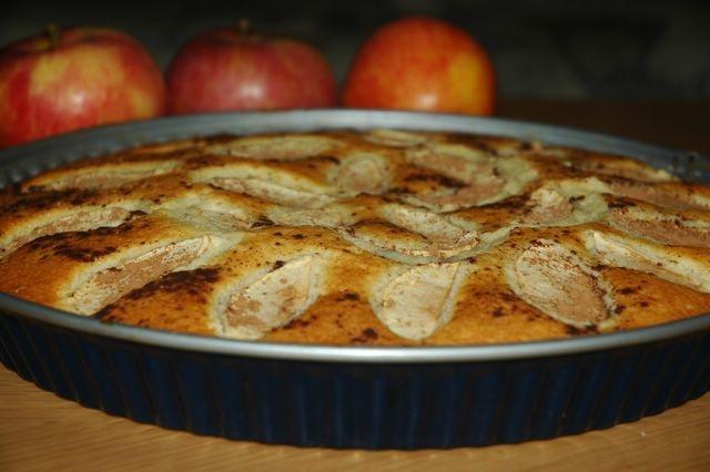 Hafta sonu için klasik bir lezzet.Elmalı Turta .... Afiyet Olsun.