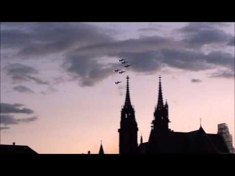 Patrouille Suisse über Basel am Basel Tattoo 2015