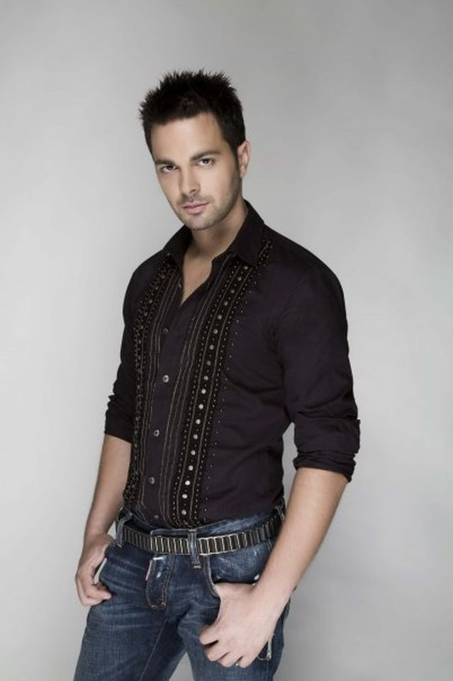 Ilias Vrettos, greek singer