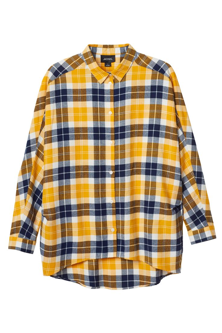 We love checkered shirts and this oversized rusty yellow and blue shirt is no exception! Classic collar, curved hem and made with cozy cotton.