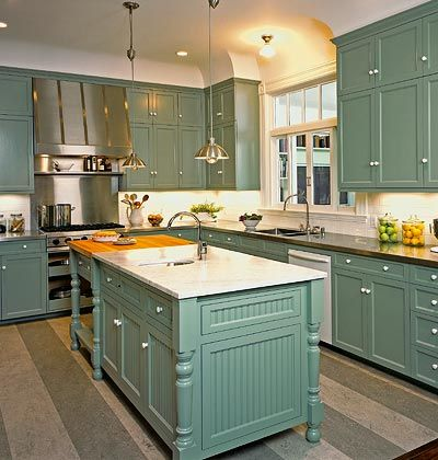 Love the color!Kitchens Design, Cabinets Colors, Cabinet Colors, Kitchens Ideas, Blue Kitchens, Kitchens Cabinets, Vintage Kitchen, Painting Cabinets, Kitchen Cabinets