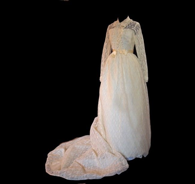Bridal Originals, Vintage- 1965 Size Small Wedding Dress | Still White (Trying to Sell my Wedding Dress! PLEASE REPIN!)