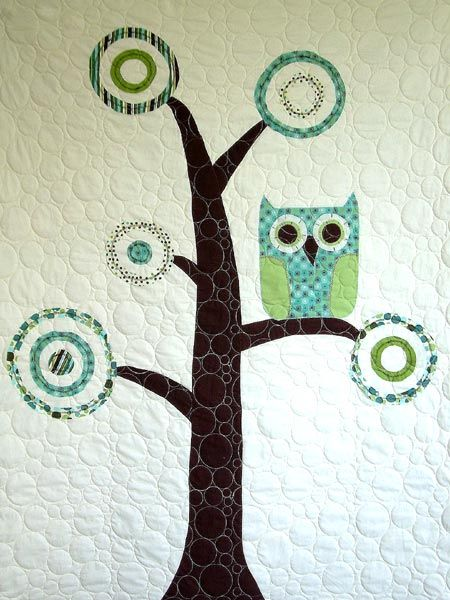 So cute owl quilt. How wonderful would it be to have this on a couch throw or pillow or something even a hoop would be cool
