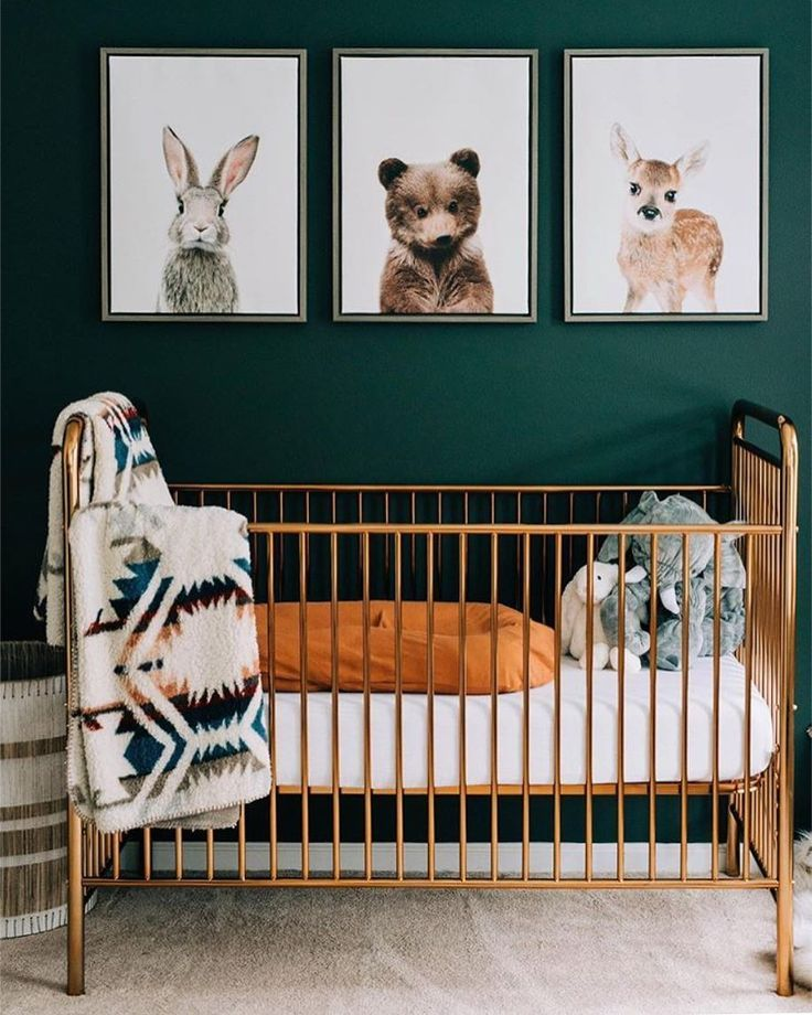 🌲 a shiny gold crib done gender neutral 💫 …..
