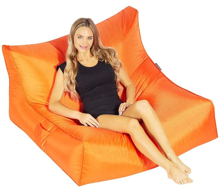 The Daddy Cool is a huge beanbag chair available in twelve cool colours!