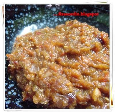 Fiza Nordin: Sambal Ayam PenyetAsian Food