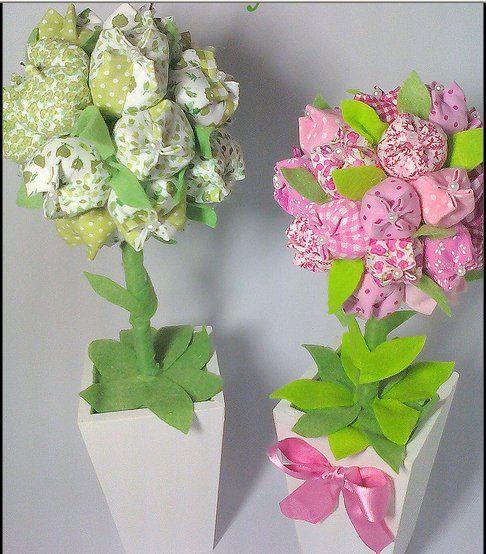 Topiaria de tulipas por Tati Baby. como fazer tulipas de tecidos: http://tricoeafins.blogspot.com.br/2011/09/tulipas-de-tecido-passo-passo.html