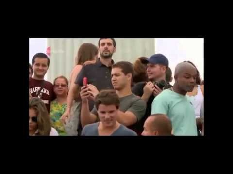 Just do it!... :))Dynamo Magician levitates in front of Christ the Redeemer s