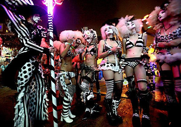 EDC clownsEdc Clowns, Edc Gogo, Rave Performing, Rave Girls, Halloween Rave, Gogo Attire, Fab Cirque, Gogo Dancers, Circus