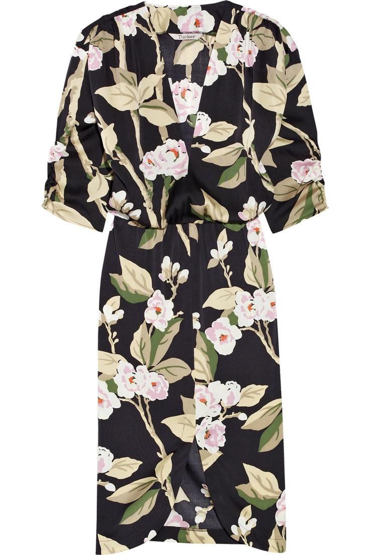 Tucker's printed silk dress. This dress is named Elodie's Grandmere, but my grandma wore Chinese PJs every day of her life.Wore Chinese, Silk, Chine Pjs, Gabi Basora, Crepes, Elodie Grandmer, Chine Dresses, Basora Prints, Chinese Pjs