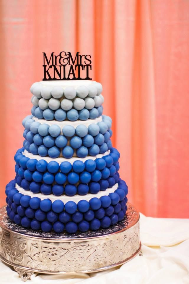 Looking for a unique cake option for your wedding day? Try our cake ball cakes - beautiful and delicious too!