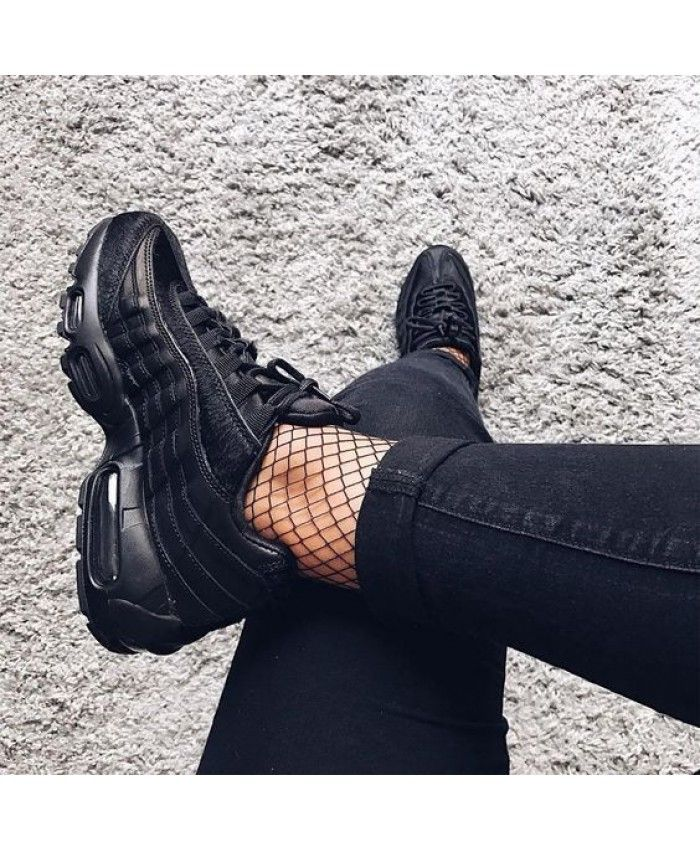 the best attitude c21bf 1c399 Nike Air Max 95 Premium Black Trainer