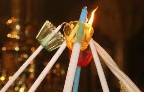 Φίλοι μου καλοί... Όσες λαμπάδες φώτισαν ολόκληρη τη φύση, τόσες χαρές σας εύχομαι, σε όλη σας τη ζήση!!!