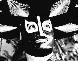 Una vez en la vida, todo diseñador en el mundo debe observar con detenimiento a las máscaras de los luchadores mexicanos, que más allá de la originalidad y folclorismo que reviste, representa el clímax de una expresión subcultural que en la actualidad es usada por muchas industrias de diversas formas.