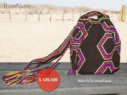 Mochila Wayuu, tejida con hilo crochet.