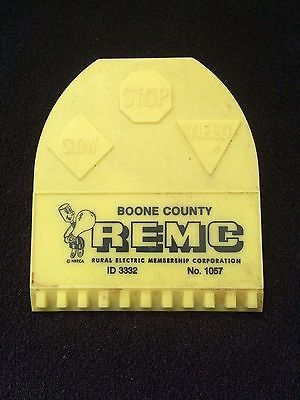 VINTAGE SMALL ADVERTISING  ICE SCRAPER PLASTIC ~ REMC BOONE COUNTY ELECTRIC