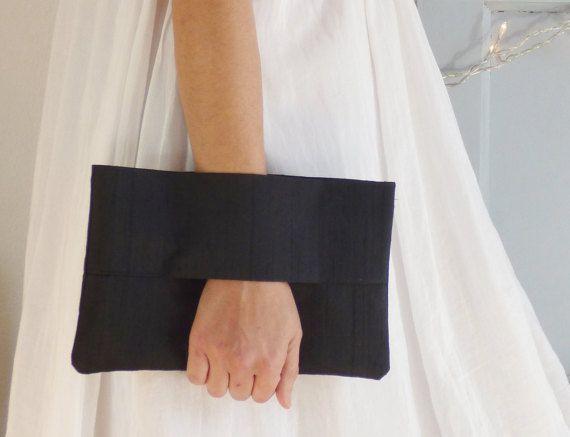 Pochette de soirée noire en soie Dupion pochette par mylmelo