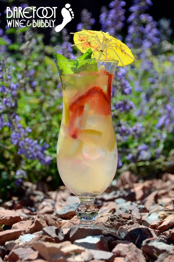 Cocktail Recipe: Strawberry Lemonade Sangria made with Barefoot Moscato