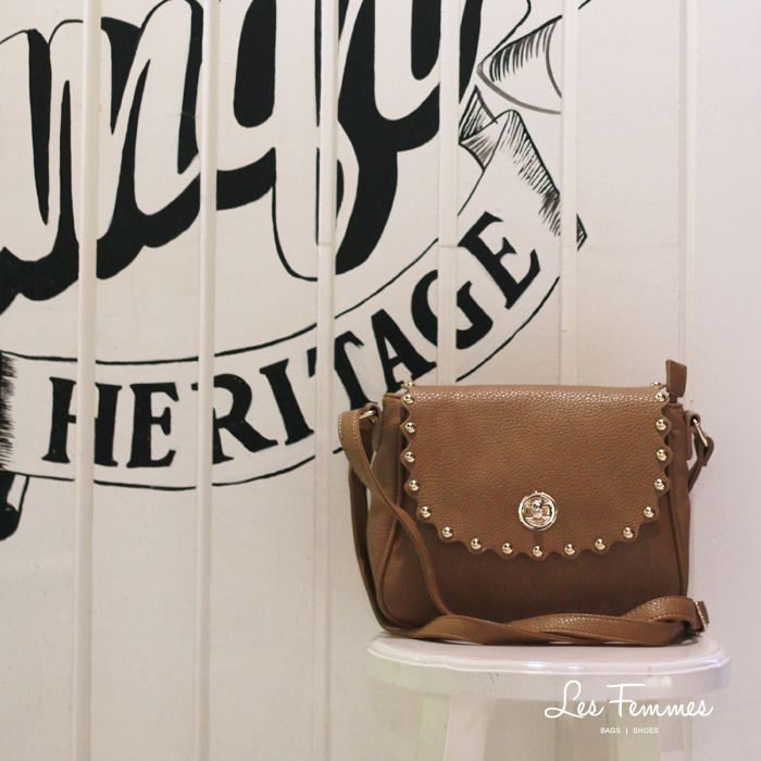 Noman 199K, desain elegan dan minimalis! Shop at www.lesfemmes.co.id or chat with us on WhatsApp 081284789737.