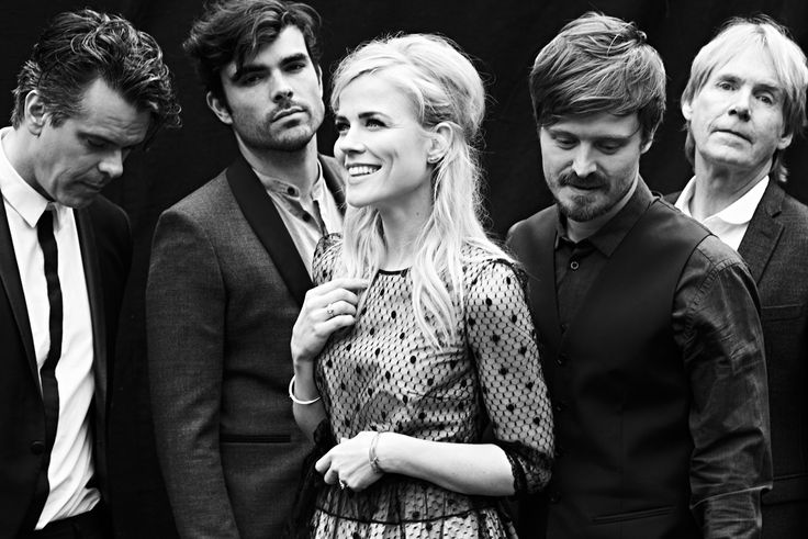 The Common Linnets is een band bestaande uit Ilse DeLange, JB Meijers, Jake Etheridge en Matthew Crosby.