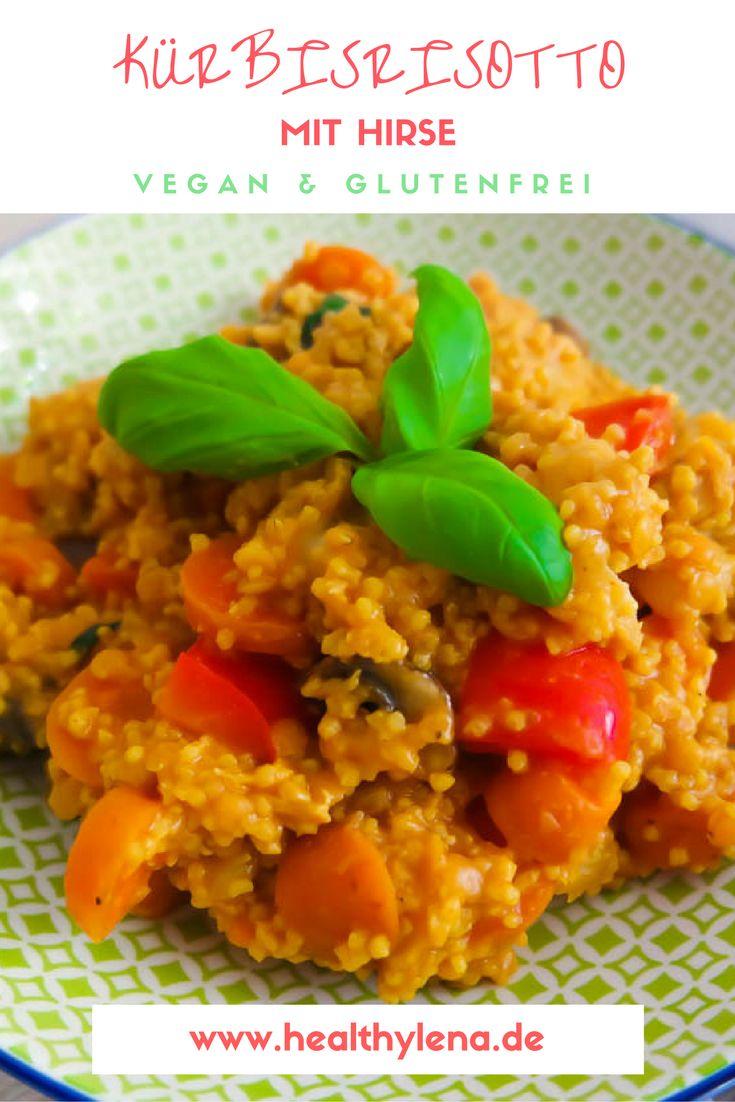 Für ein Kürbisrisotto muss es nicht immer Reis sein. Dieses vegane Kürbisrisotto mit Hirse ist ein gesundes Herbstgericht, mit dem man es sich zu Hause so richtig gemütlich machen kann, wenn es draußen stürmt: vegan, glutenfrei & fettarm!