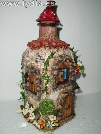 Botella decorada con pasta de papel botellas tarros de cristal pinterest crafts - Botellas decoradas manualidades ...