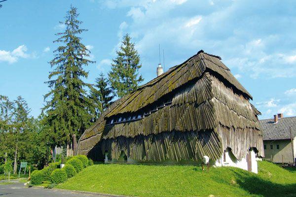 Casa del villaggio (1985-88), Arch. Imre Makovecz