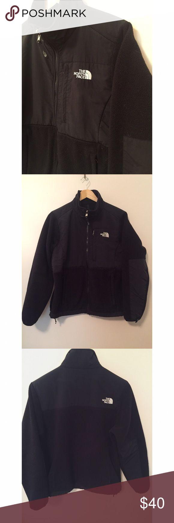 North Face Denali Jacket Black women's North Face Denali fleece jacket, Size M North Face Jackets & Coats