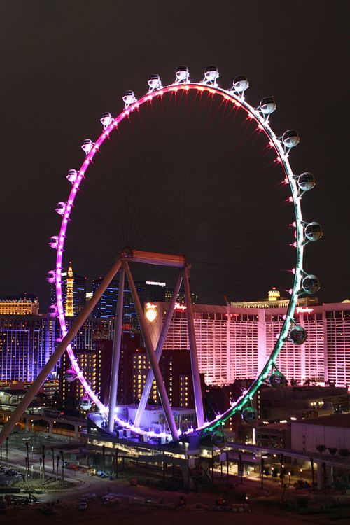 The High Roller observation wheel won't be free to ride, but it's free for a photo op!