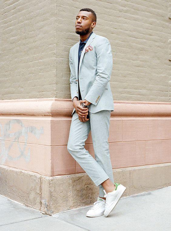 Roupa de Homem para Trabalhar. Macho Moda - Blog de Moda Masculina: Roupa de Homem para Trabalhar no Verão 2018, dicas para Inspirar! Moda para Homens, Como se vestir para Trabalhar Homem, Roupa de Escritório Masculina, Costume Azul Serenity, Adidas Stan Smith, Calça Social Cropped
