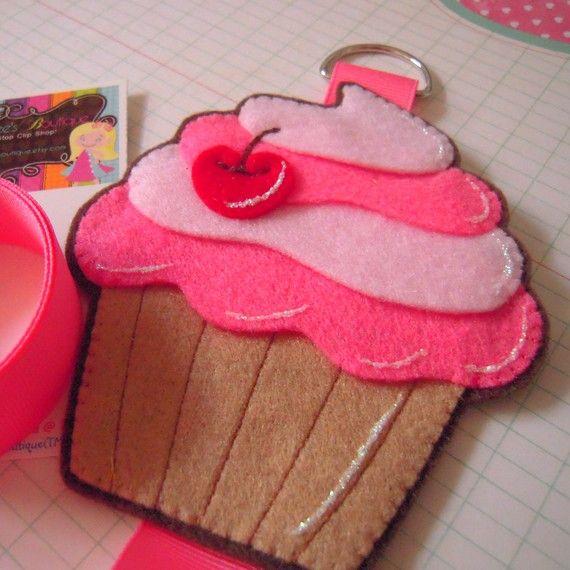 Ciara's Felt Cupcake Clip Holder from emmaleesboutique etsy shop