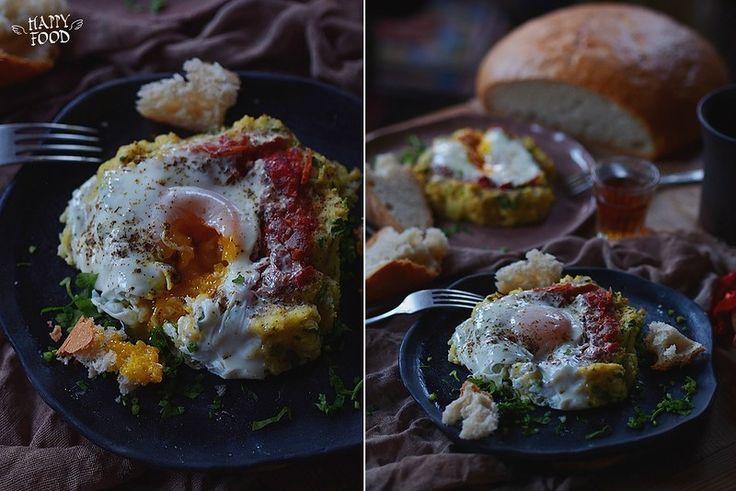Kартофельные гнезда с томатным соусом и яйцом - Baked nest potato with tomato sauce and egg - HAPPYFOOD