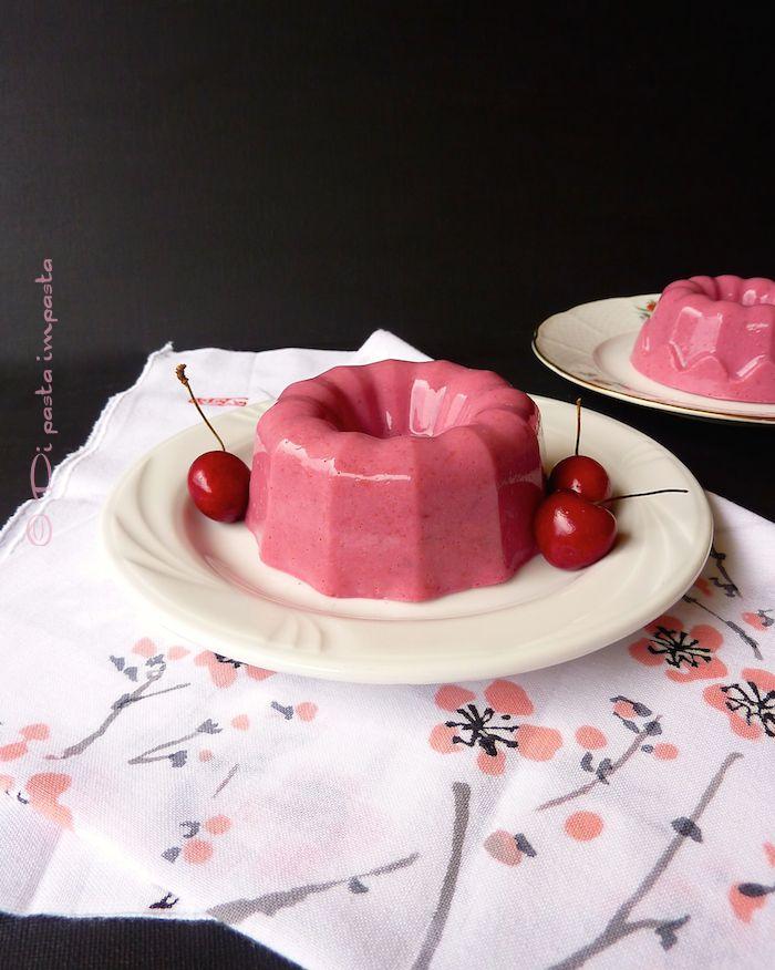 Bavarese di ciliegie e yogurt