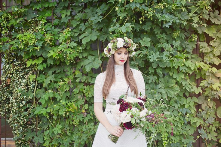 Red Burgundy Dahlia Blush Bouquet Flowers Bride Bridal Foliage Rose Crown Antler Feather Stunning Countryside Wedding http://www.cottoncandyweddings.co.uk/