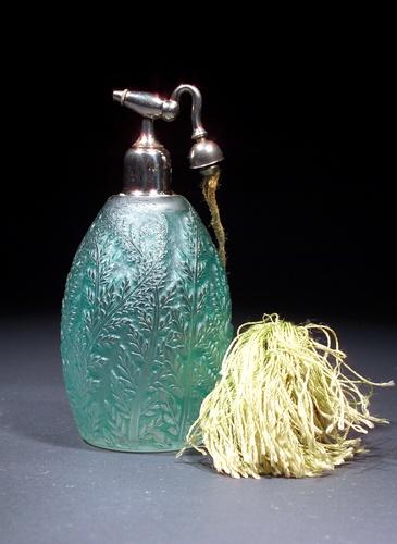 "R. LALIQUE Perfume atomizer, c. 1923, ""Fougeres,"""