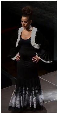 Vestido flamenco en negro, ¡Ideal para una noche de cena!