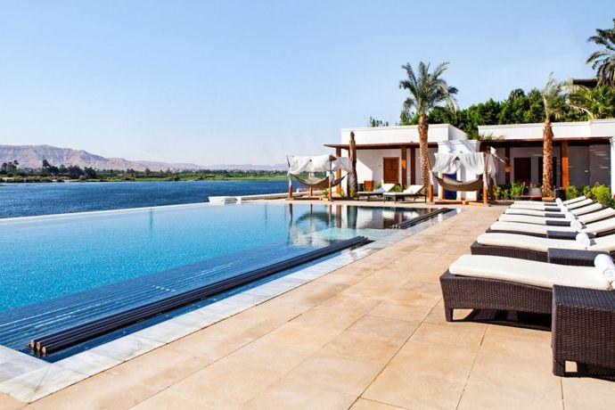 Top 10 Infinity Pools Hilton Worldwide | http://www.designrulz.com/design/2013/06/top-10-infinity-pools-hilton-worldwide/