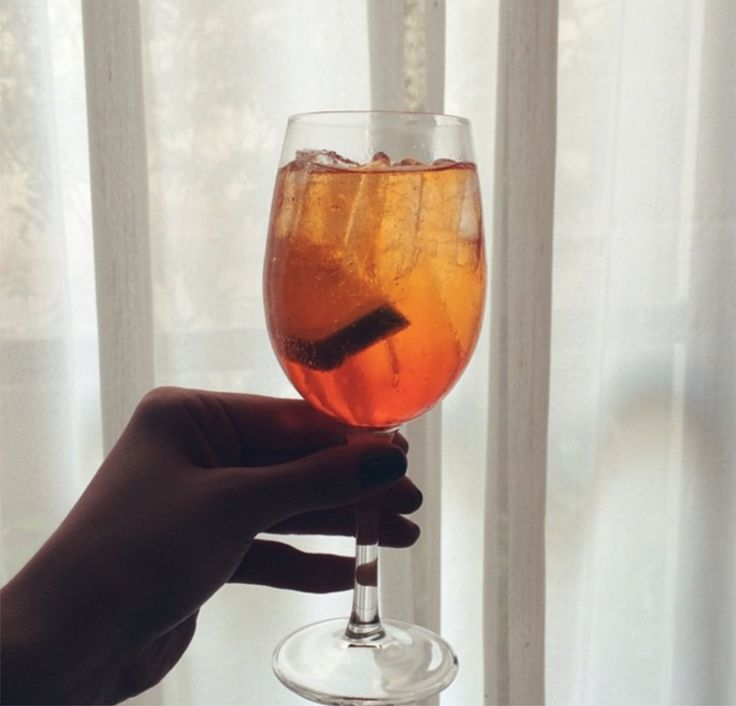 Aperol Spritz pro final de semana ficar mais feliz! :)