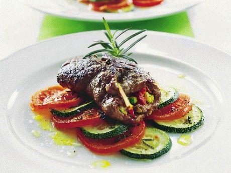 Zucchini- och salamifyllda lövbiffar
