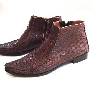UsedNotConfused — Snake Ankle Boots www.usednotconfused.com