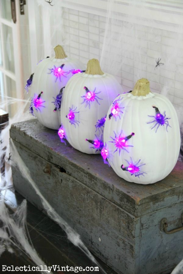 #Halloween DIY #Pumpkin Lights - see how to make these unique pumpkins!  eclecticallyvintage.com