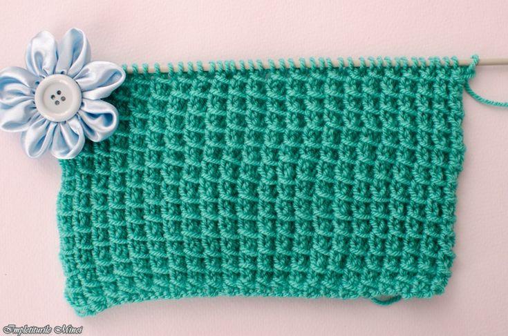 Impletiturile Minei este un blog ce ofera o colectie de modele de tricotat. Cum se tricoteaza diferite modele de tricotaj? Tutoriale video modele de tricotat. Spor la impletit!