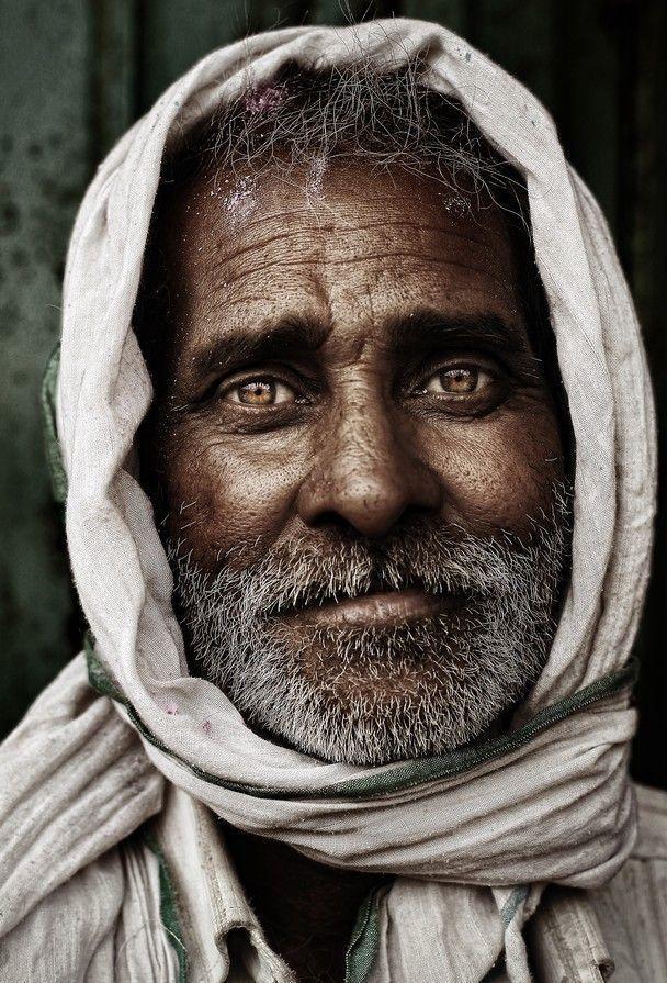 Porträtfotografie Inspiration: Indischer Mann (Menschen, Porträt, schön, Foto, Bild, erstaunlich, Fotografie) …